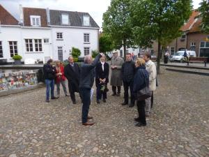 Bij de excursie op de dinsdagmiddag kregen de deelnemers de nog altijd tastbare Hanzegeschiedenis in Harderwijk getoond (Foto: Jirsi Reinders)