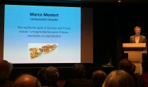 Ad van der Zee introduceert Marco Mostert
